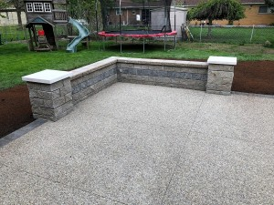 Exposed Aggregate and paver seat wall 2